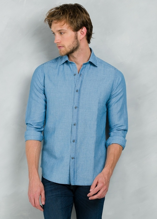 Camisa Casual Wear SLIM FIT Modelo PORTO lisa color azul, 100% Algodón. - Ítem3
