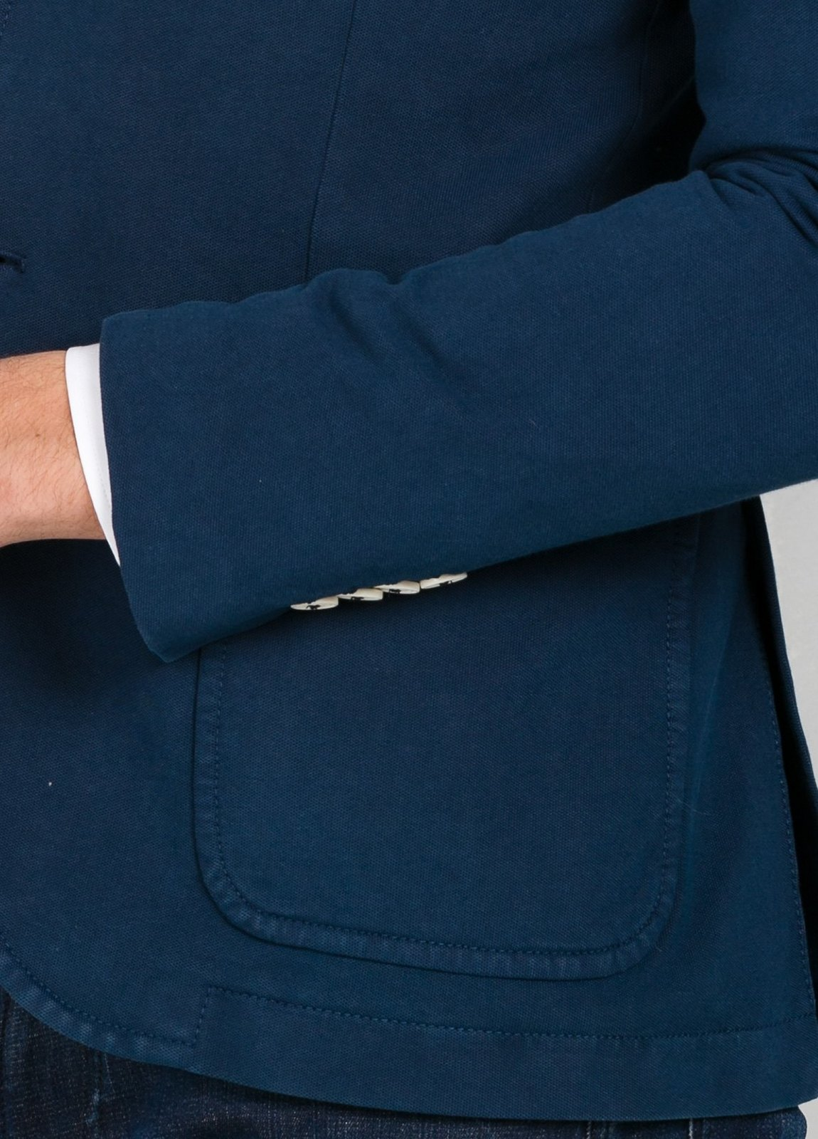 Americana soft 2 botones SLIM FIT color azul oscuro efecto denim, 95% Algodón 5% Elastán. - Ítem1