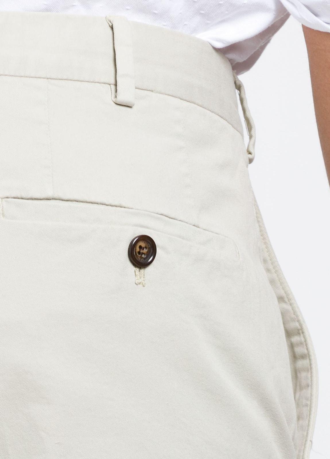 Pantalón Sport SLIM FIT , modelo INCO, color beige, 98% Algodón 2% Elastano. - Ítem4