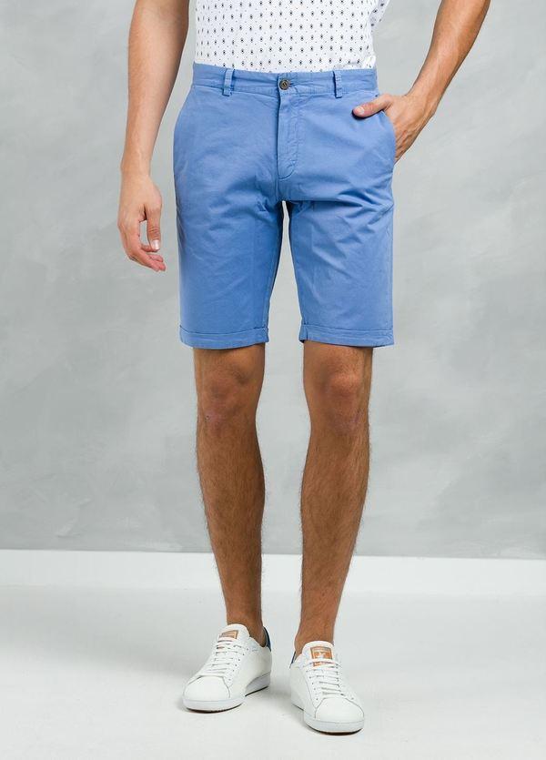 Bermuda ligeramente slim fit color azul, 100% Algodón.