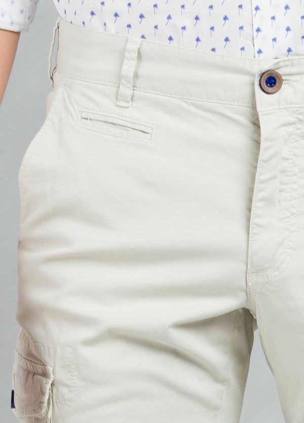 Pantalón Sport SLIM FIT modelo TONY con bolsillos laterales color beige, 97% Algodón 3% Elastán. - Ítem1