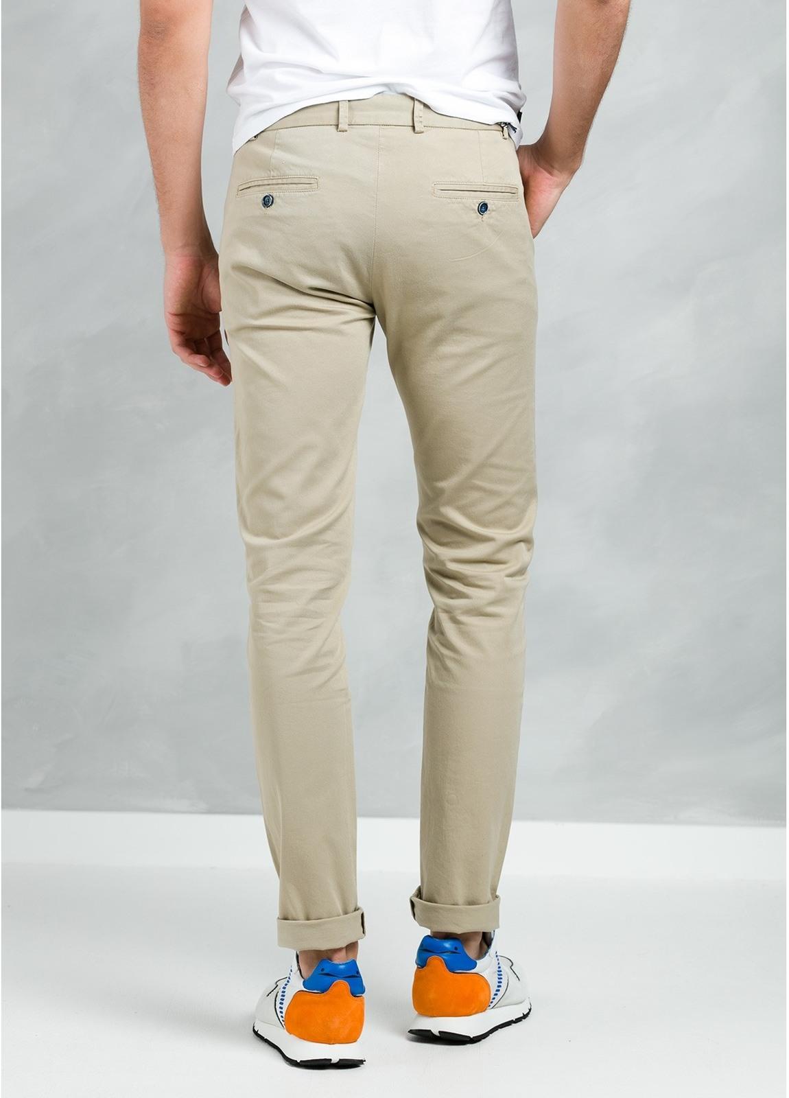 Pantalón Casual Wear, SLIM FIT micro textura color beige, 97% Algodón 3% Elastómero. - Ítem3