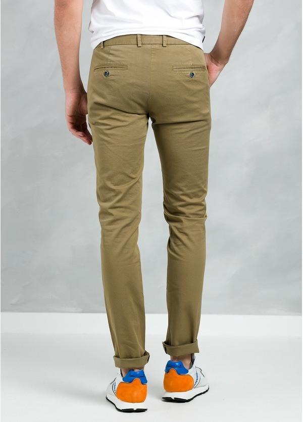 Pantalón Casual Wear, SLIM FIT micro textura color tostado, 97% Algodón 3% Elastómero. - Ítem3