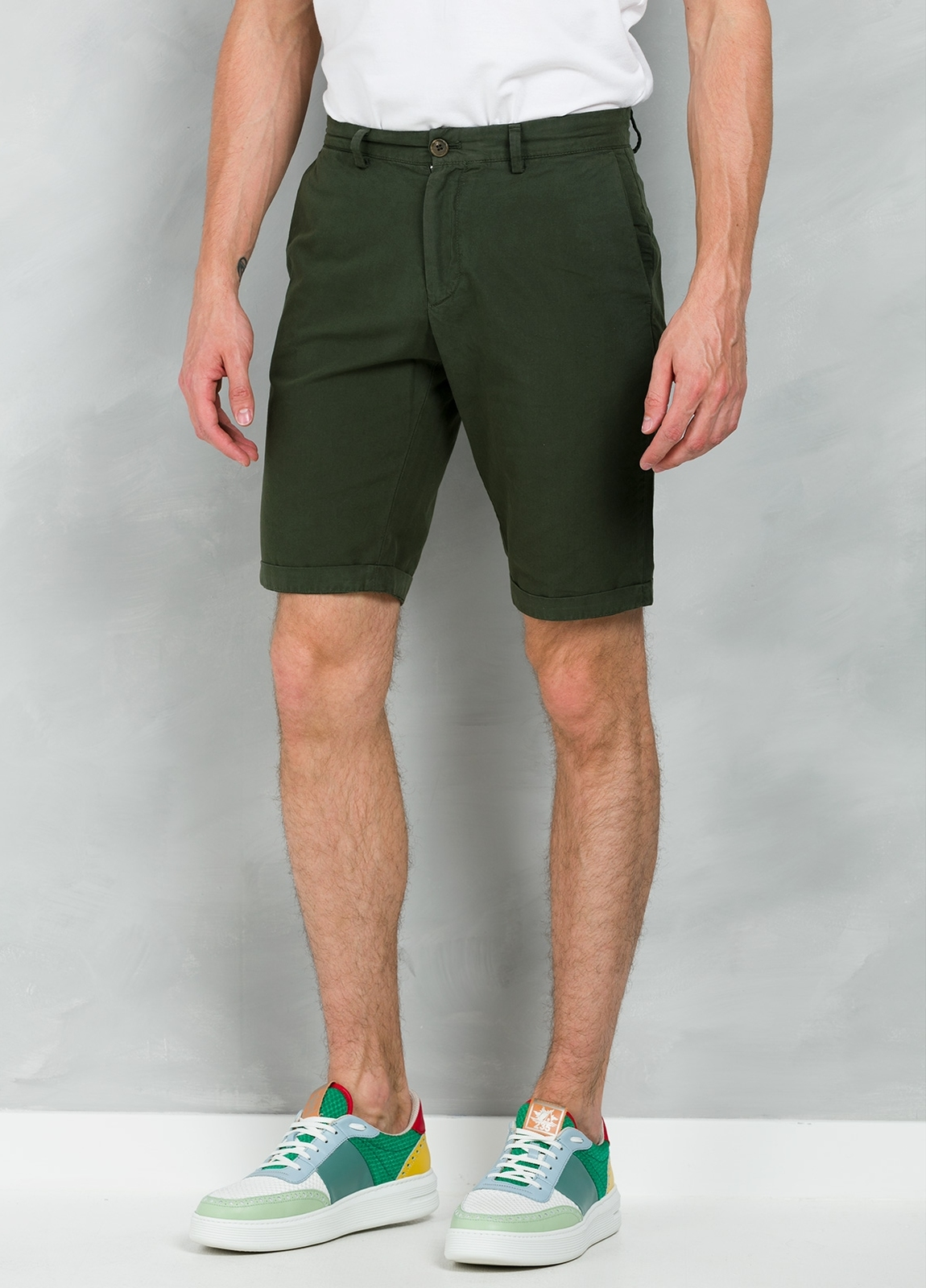 Short Furest Casual Wear color kaki, 100% Algodón.