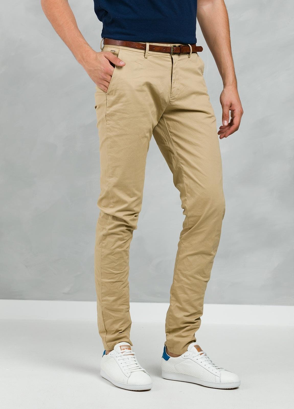 Pantalón chino color tostado, Algodón. - Ítem2