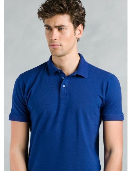 Polo manga corta piquet con flor grabada en cuello, color azul tinta, 95% Algodón 5% Elastán. - Ítem1