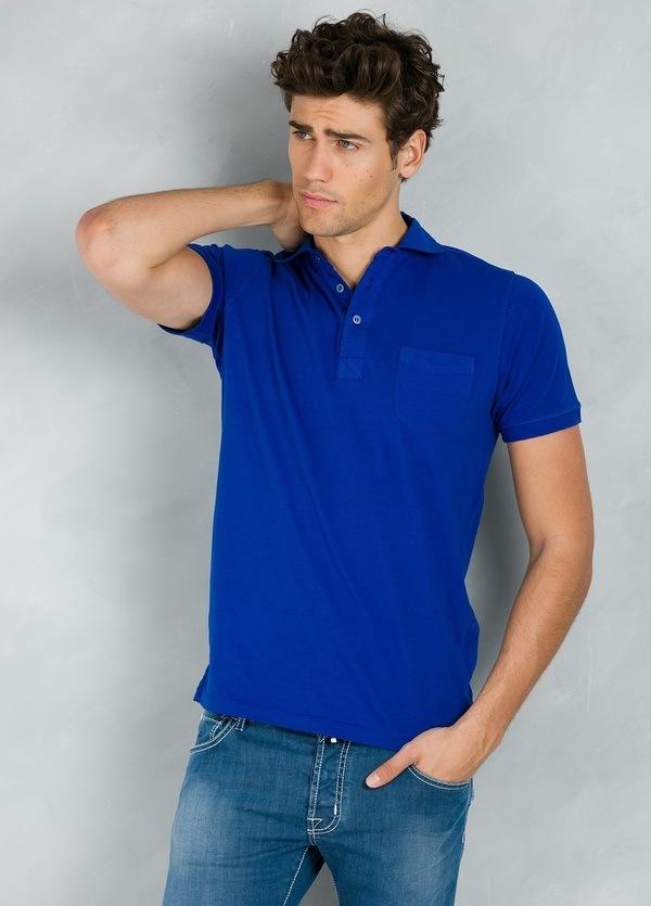 Polo liso manga corta con bolsillo en pecho, color azul tinta, 95% Algodón 5% Elastán.
