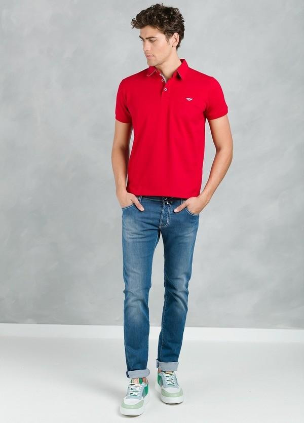 Polo manga corta piquet con bolsillo de ojal, color rojo, 95% Algodón 5% Elastán. - Ítem1