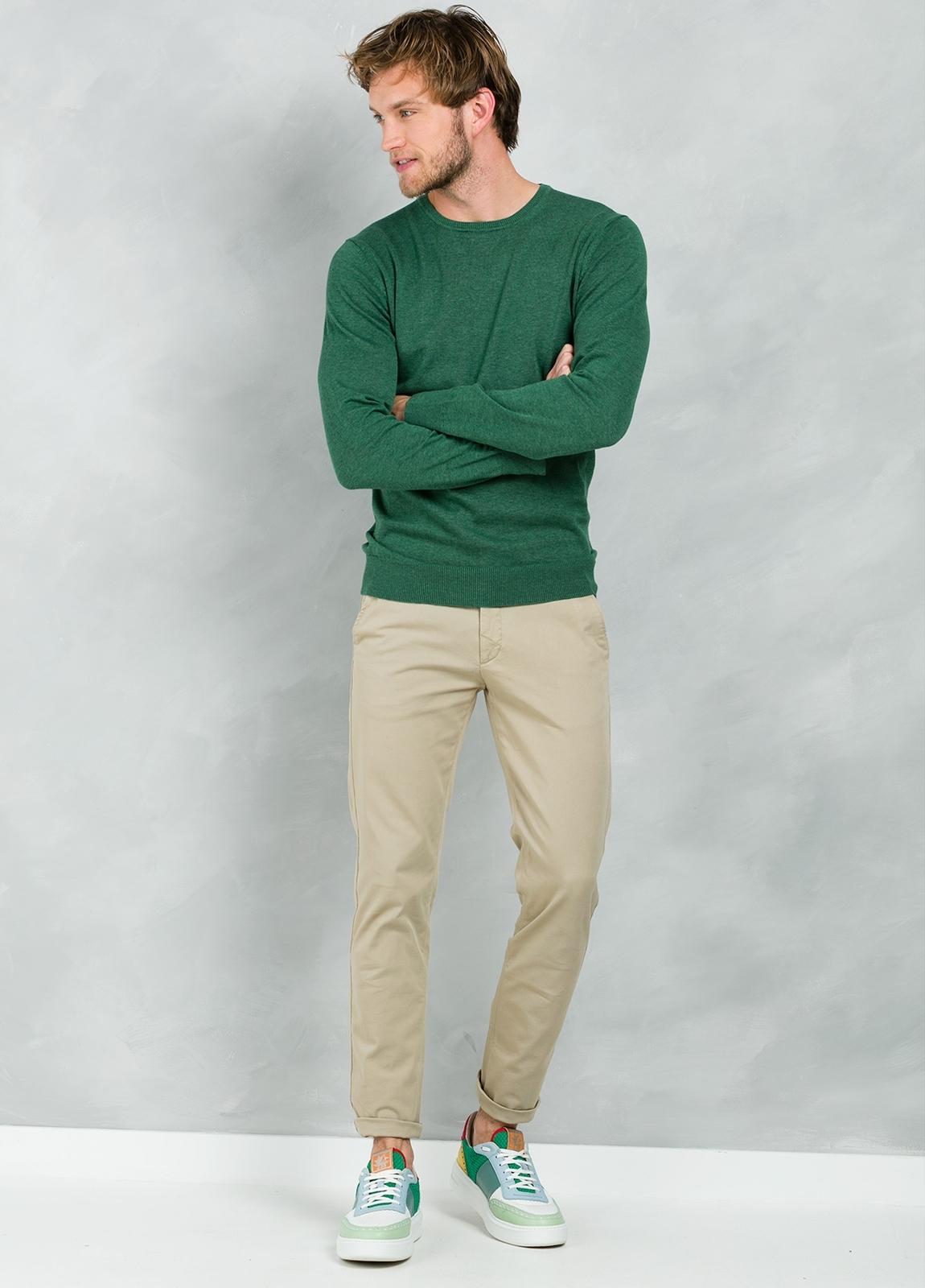 Jersey Casual Wear, SLIM FIT cuello redondo color verde, 100% algodón
