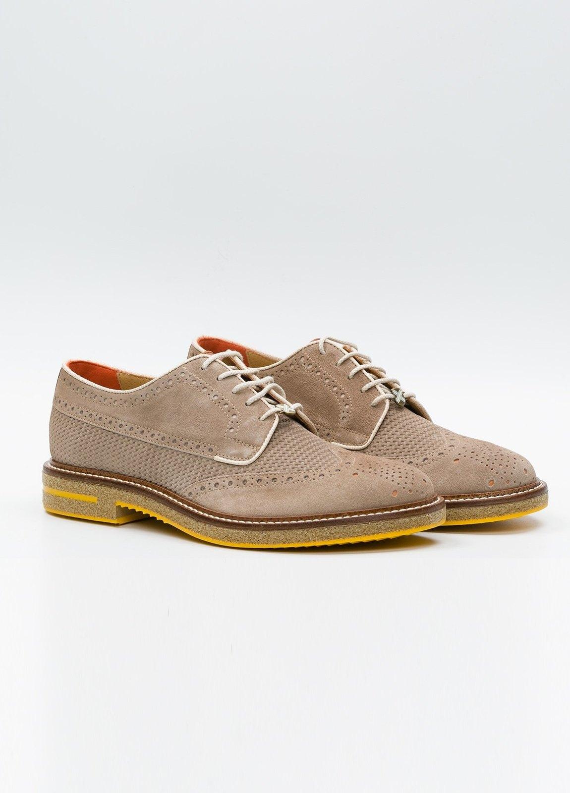Zapato Formal Wear color beige suela amarilla, 100% Ante. - Ítem3