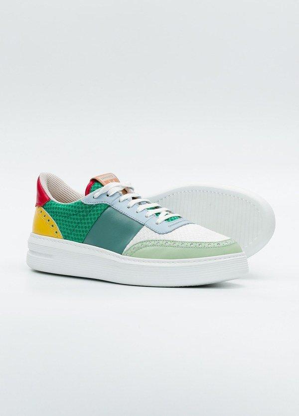 Calzado Sport color blanco y verde, combinación de piel y malla. - Ítem1
