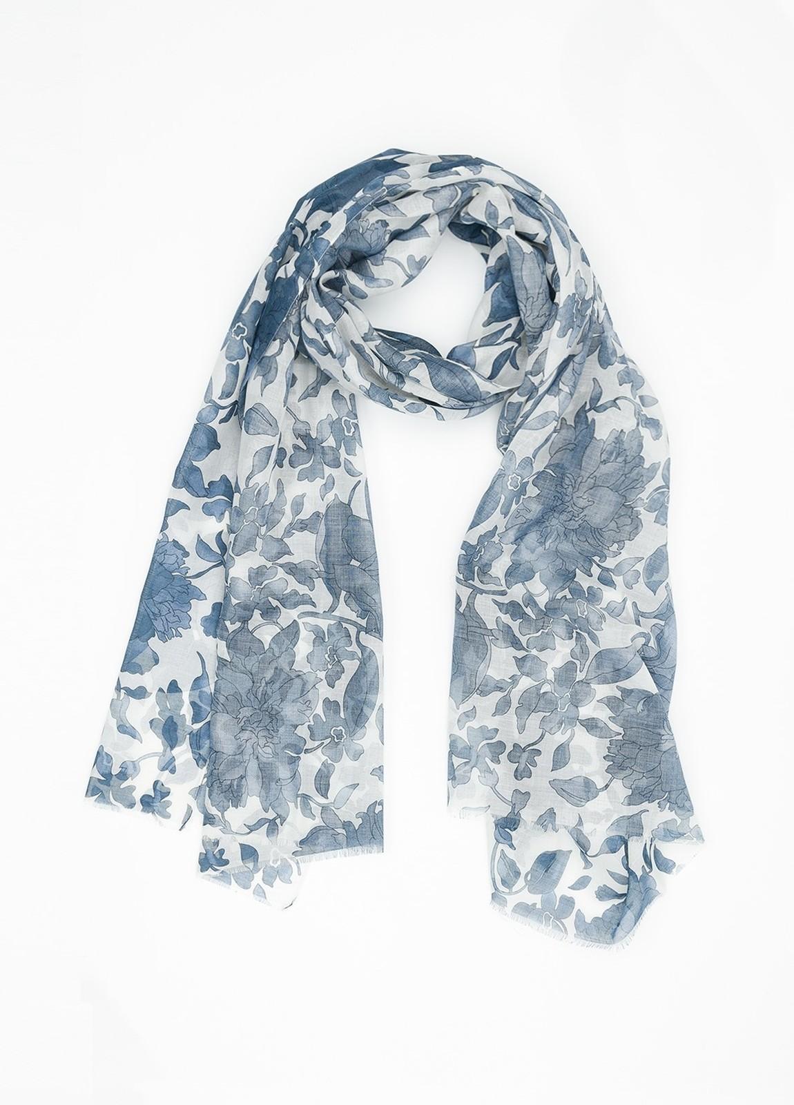 Foulard estampado floral color azul, 70 x 200 cm, 93% algodón, 7% cashmere.