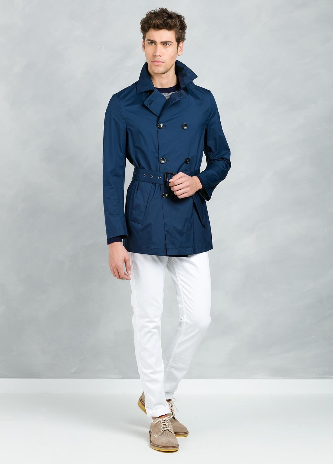 Gabardina corta cruzada con botones y cinturón , color azul. - Ítem2