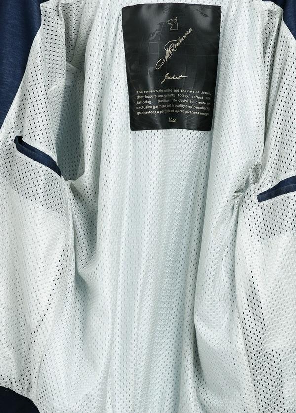 Cazadora corta con cremallera y elásticos en cuello, puños y cintura color azul. - Ítem4