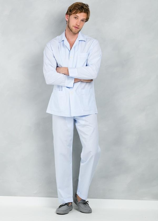 Pijama LARGO dos piezas, pantalón largo con cinta no elástica y funda incluida color celeste con micro rayas , 100% Algodón.