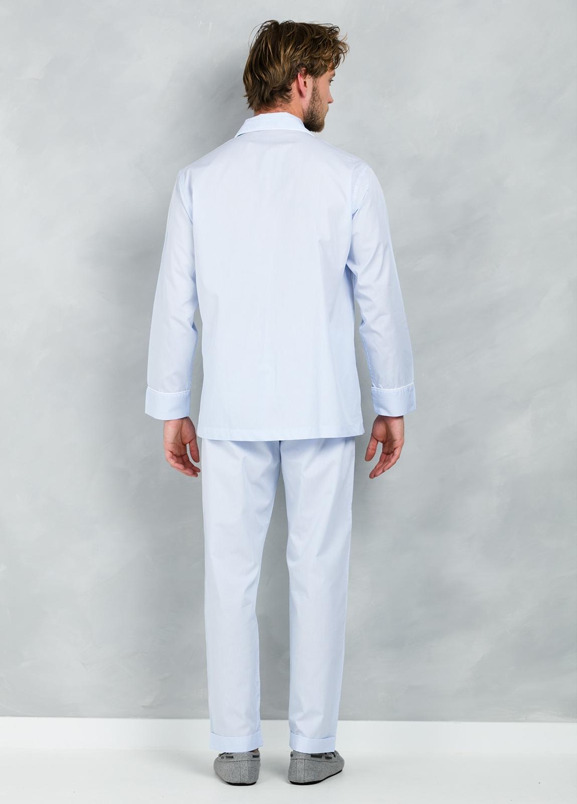 Pijama LARGO dos piezas, pantalón largo con cinta no elástica y funda incluida color celeste con micro rayas , 100% Algodón. - Ítem2