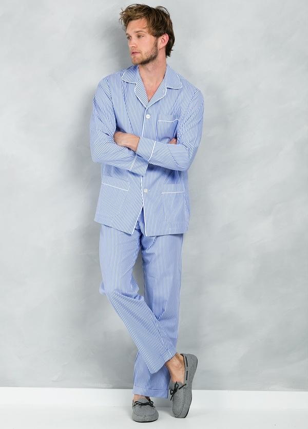 Pijama LARGO dos piezas, pantalón largo con cinta no elástica y funda incluida color azul con estampado de rayas, 100% Algodón.