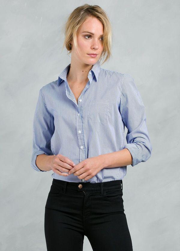 Camisa woman modelo ANNA con diseño de rayas color azul.