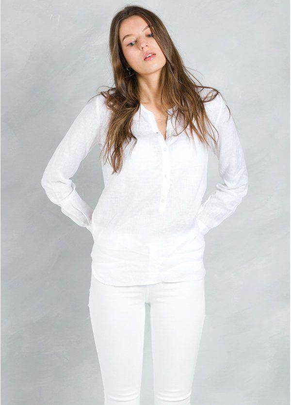 Blusa woman modelo CORAL con cuello mao, color blanco.