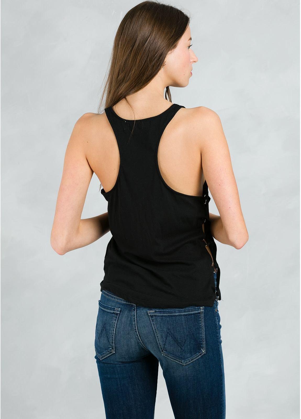 Top woman de tirantes y espalda estilo nadador, color negro. - Ítem1