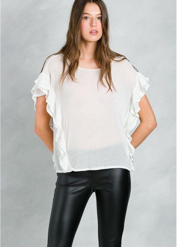 Top fluido woman de gasa con manga sisa amplia con volantes, color blanco.