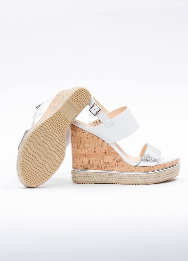 Sandalia en piel con pulsera al tobillo color blanco y plata, cuña y plataforma en corcho, detalle de cuerda trenzada y suela de goma. - Ítem3