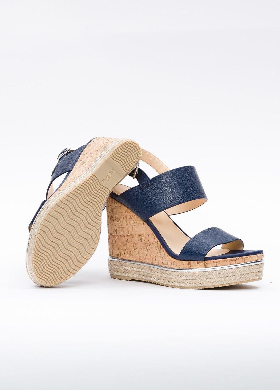 Sandalia en piel con pulsera al tobillo color azul, cuña y plataforma en corcho, detalle de cuerda trenzada y suela de goma. - Ítem3