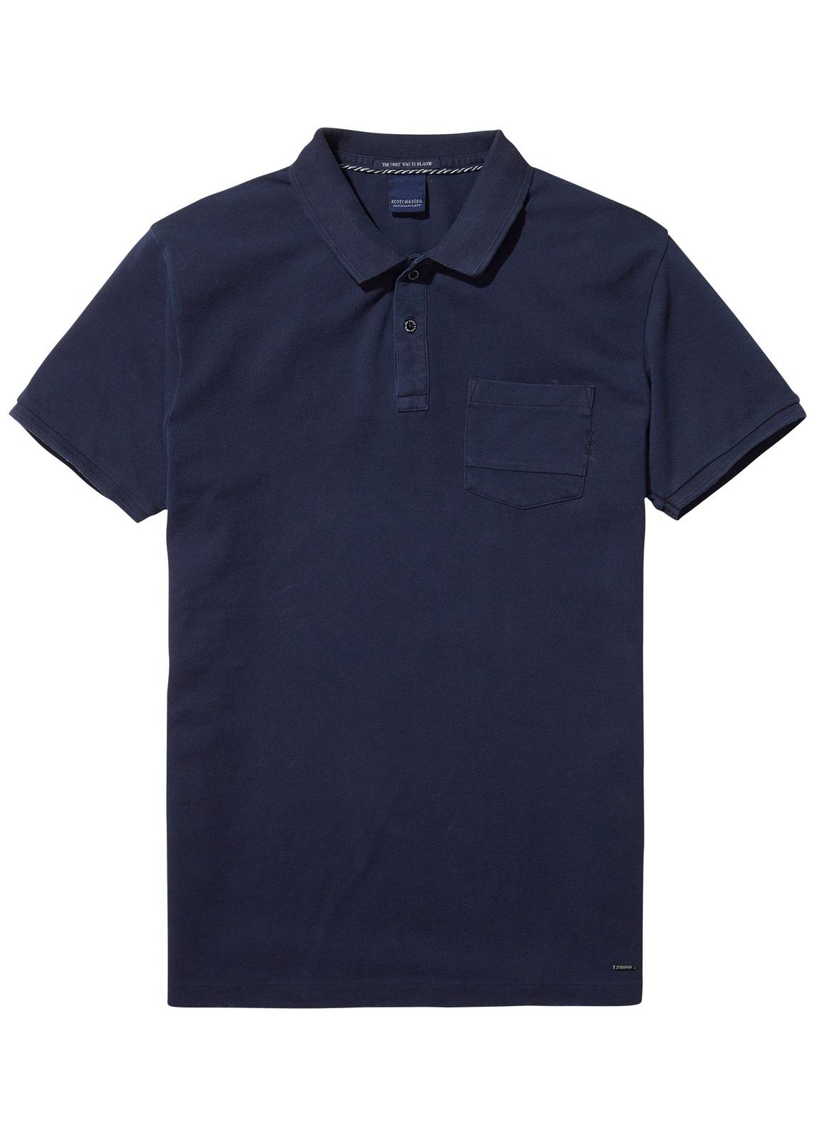 Polo teñido en prenda color azul marino. 100% Algodón.
