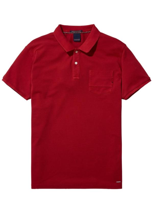 Polo teñido en prenda color rojo. 100% Algodón.