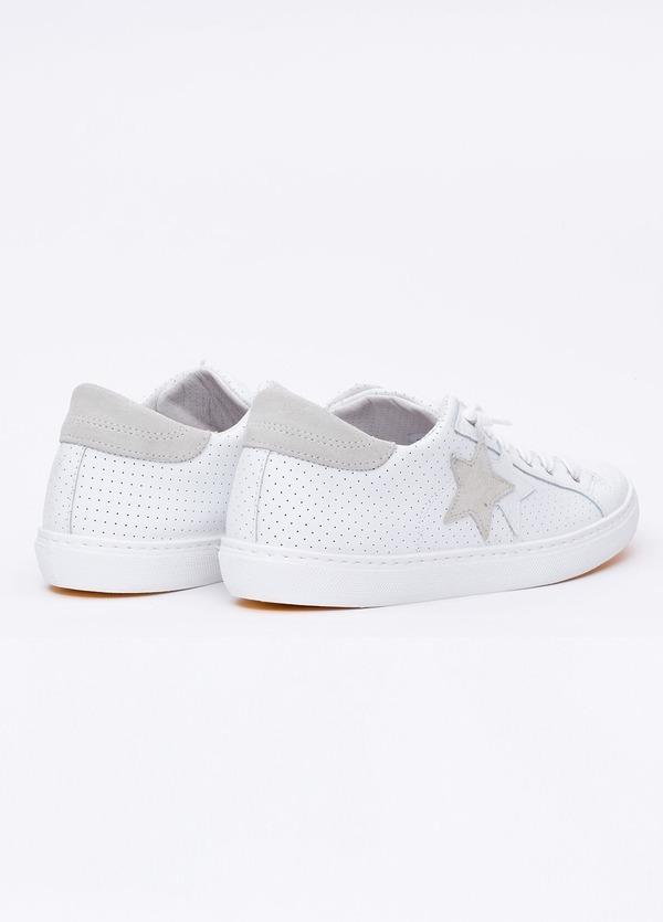 Calzado sport color blanco con detalles beige. 100% Piel. - Ítem4