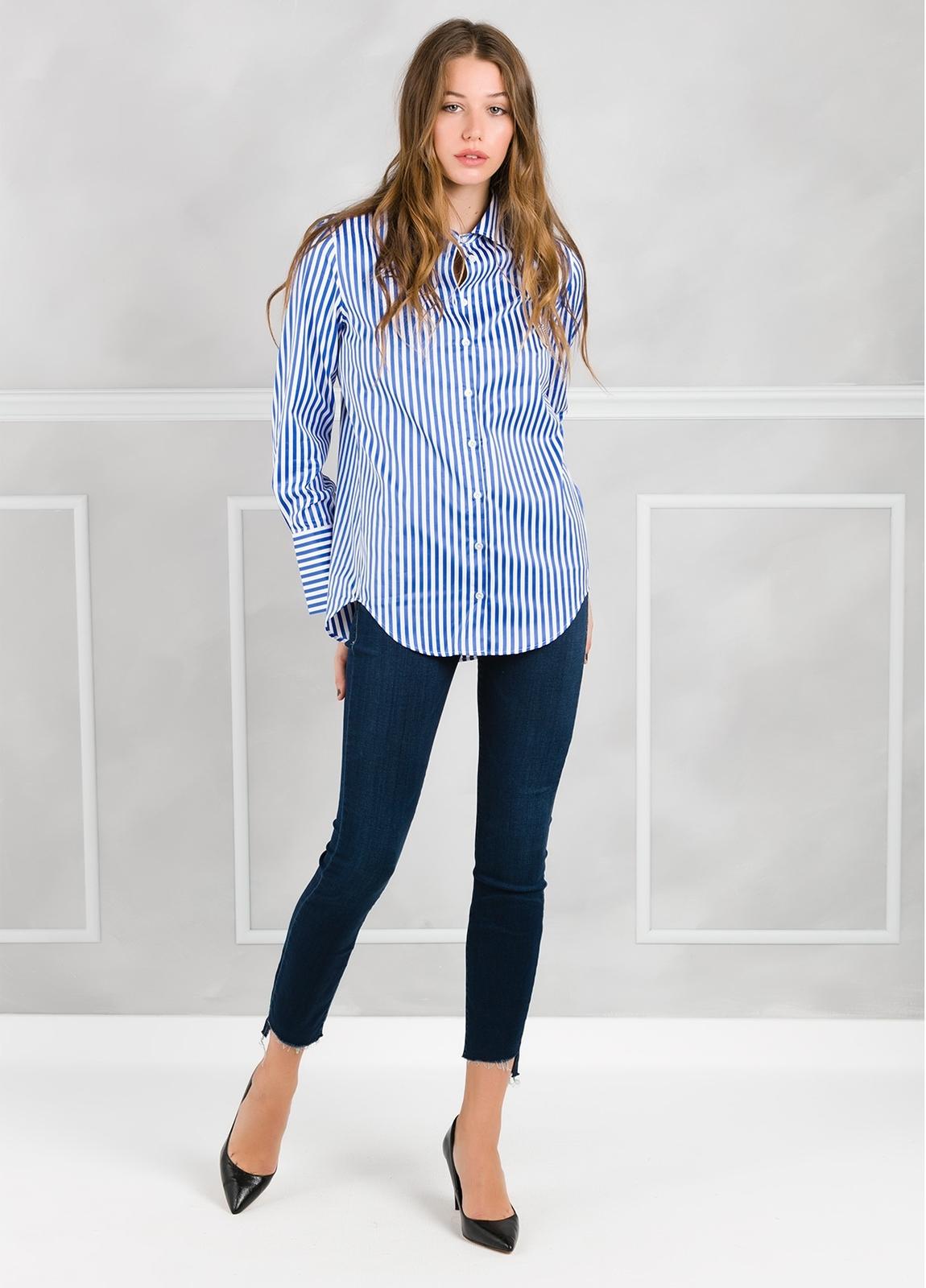 Camisa de rayas modelo ROXI color azul.