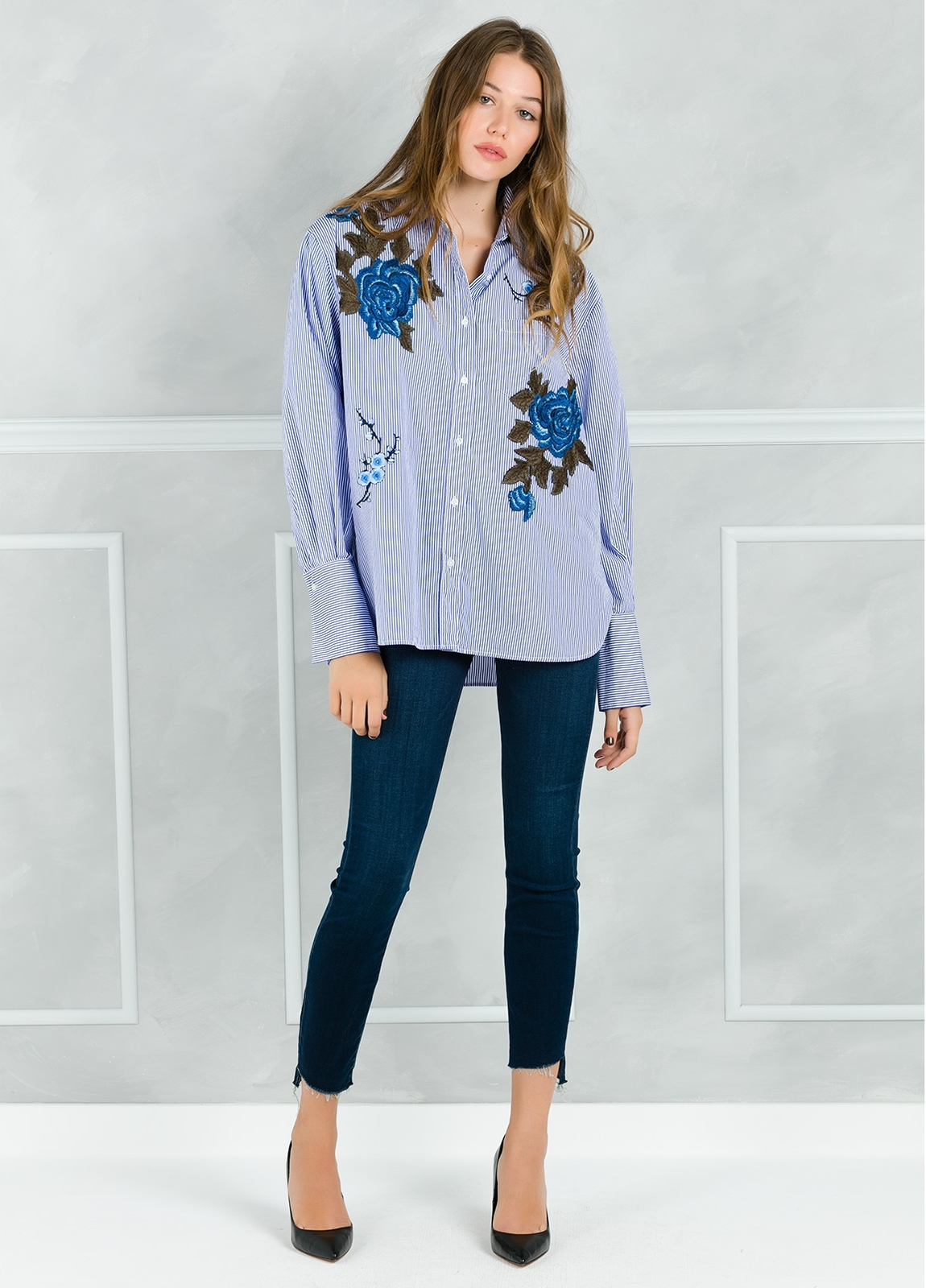 Camisa woman modelo CRIDL estampado maxiflor color azul. - Ítem2