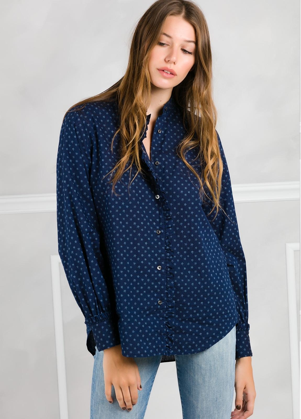 Camisa woman modelo SHEILAJ estampado estrellas color azul tinta.
