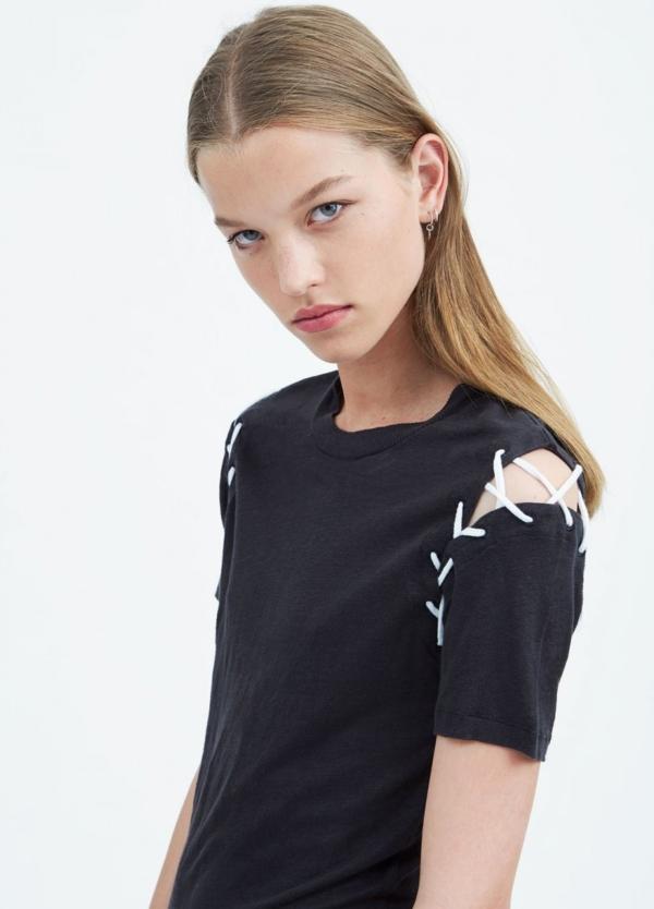 Camiseta manga corta woman color negro con cordones en hombros. 100% Lino.