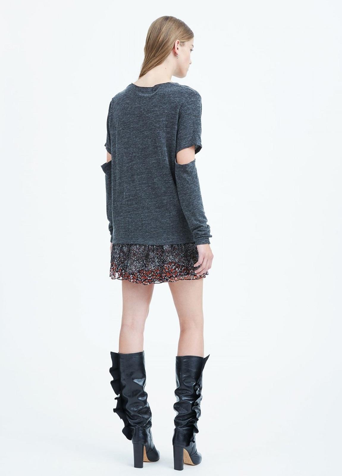 Camiseta woman manga larga color gris con abertura en codos. 63% Viscosa 28% Lana 9% Poliamida. - Ítem2