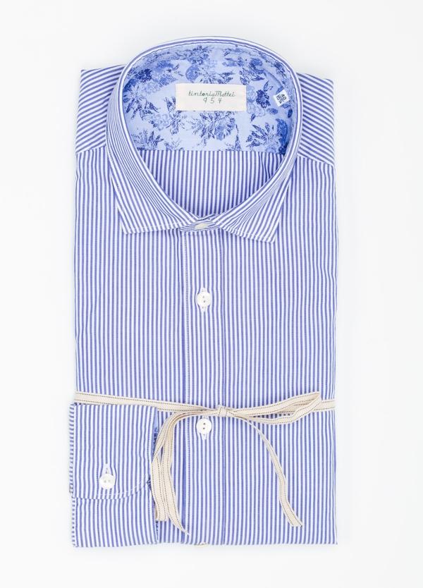Camisa sport SLIM FIT con estampado de rayas color azul. 100% algodón.
