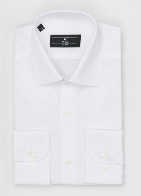 Camisa Formal Wear SLIM FIT cuello italiano modelo ROMA liso color blanco. 100% Algodón Popelin. Fácil planchado.