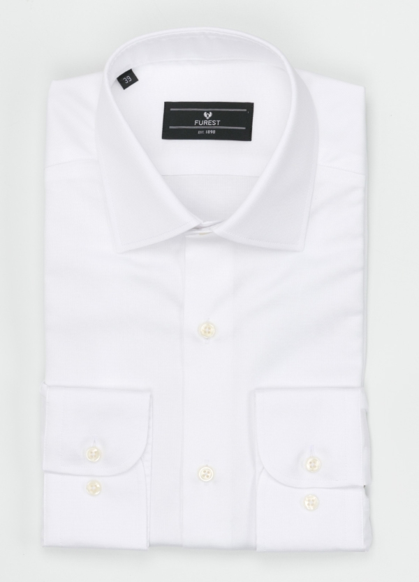 Camisa Formal Wear SLIM FIT cuello italiano modelo ROMA. Micro-textura color blanco. 100% Algodón.
