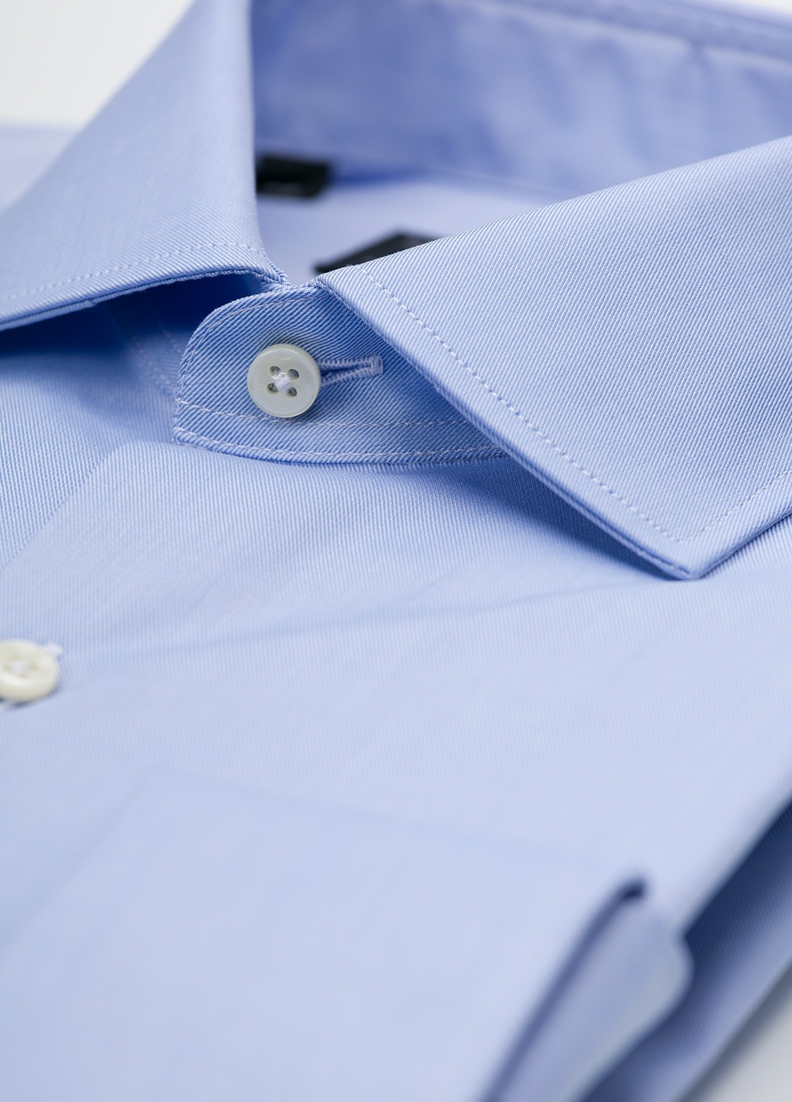 Camisa Formal Wear REGULAR FIT cuello italiano modelo TAILORED NAPOLI diseño liso color azul celeste. 100% Algodón. Fácil planchado. - Ítem1