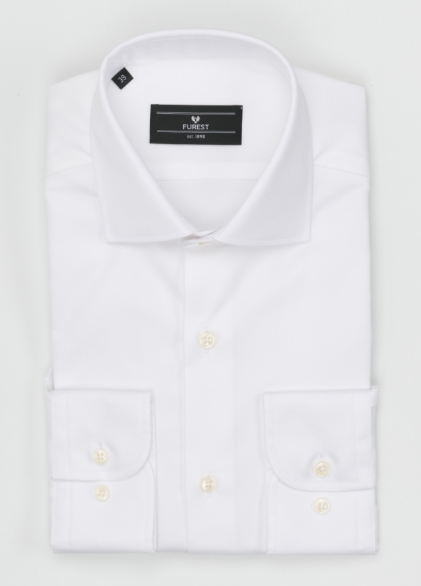 Camisa Formal Wear REGULAR FIT cuello italiano modelo TAILORED NAPOLI diseño liso color blanco. 100% Algodón. Fácil planchado.