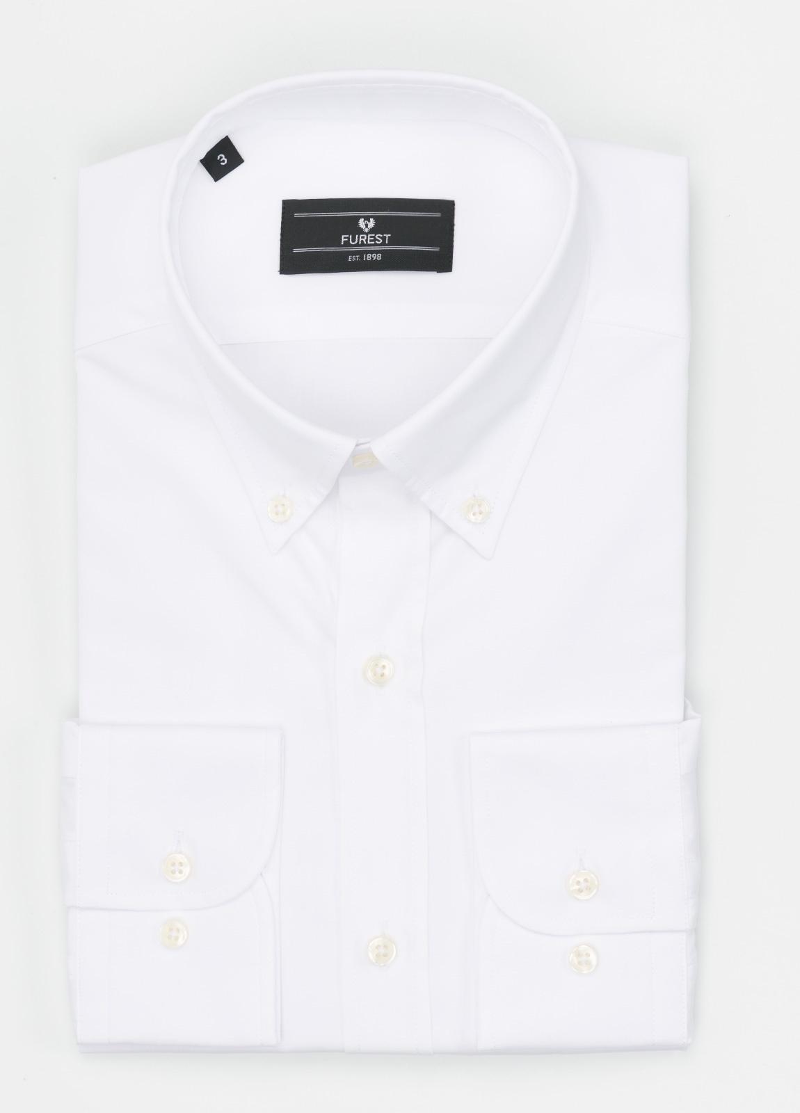 Camisa Formal Wear REGULAR FIT modelo BOTTON DOWN, con bolsillo, lisa, color blanca . 100% Algodón. Fácil planchado.