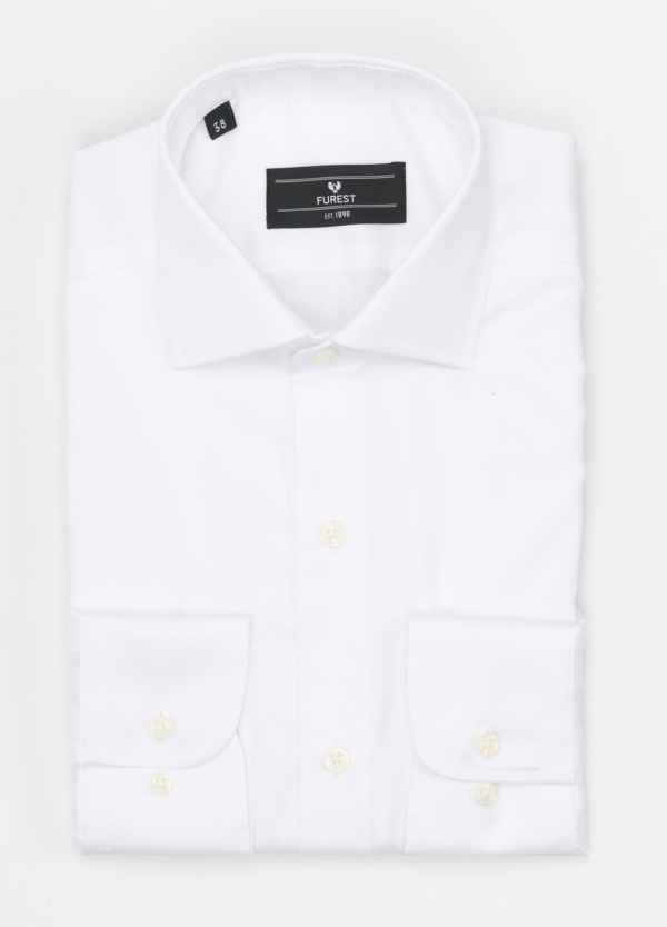 Camisa Formal Wear REGULAR FIT cuello italiano modelo TAILORED NAPOLI, diseño liso color blanco, 100% Algodón.