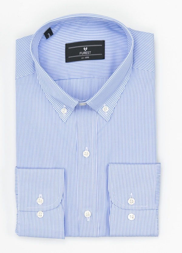 Camisa Formal Wear REGULAR FIT modelo BOTTON DOWN tejido raya clásica, color azul celeste. 100% Algodón.