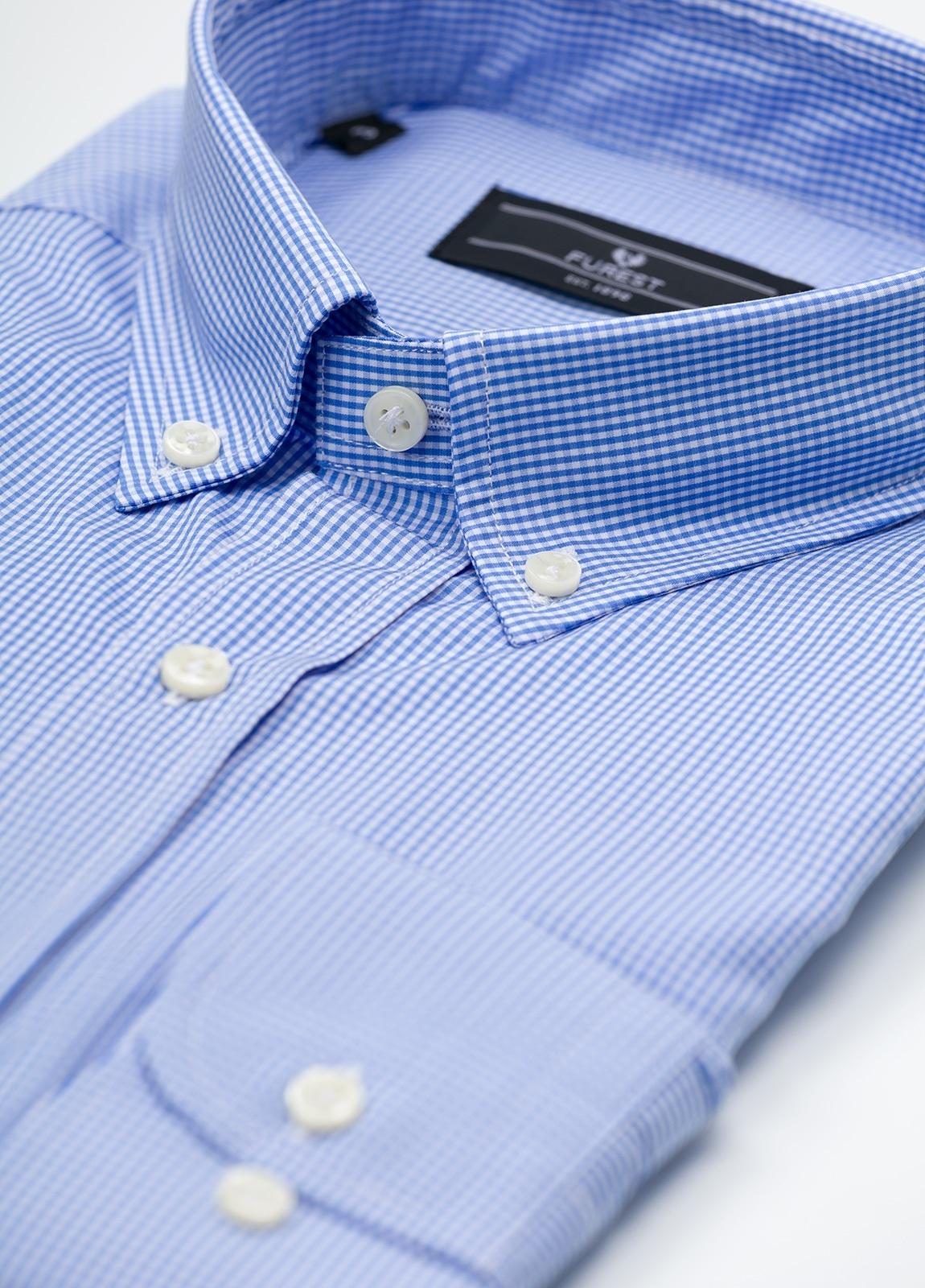 Camisa Formal Wear REGULAR FIT modelo BOTTON DOWN, con bolsillo, tejido de cuadro vichy, color azul celeste. 100% Algodón. - Ítem1