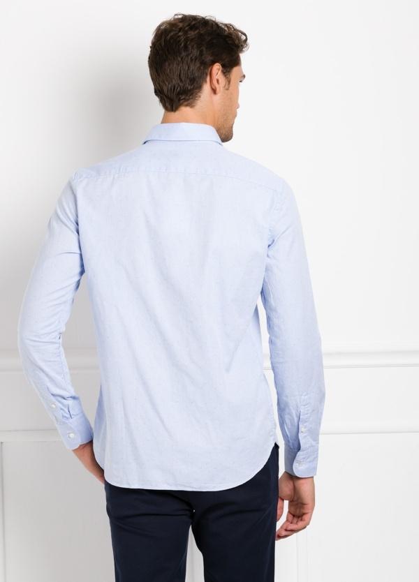 Camisa Leisure Wear REGULAR FIT modelo PORTO tejido dibujo jacquard color celeste. 100% Algodón. - Ítem2