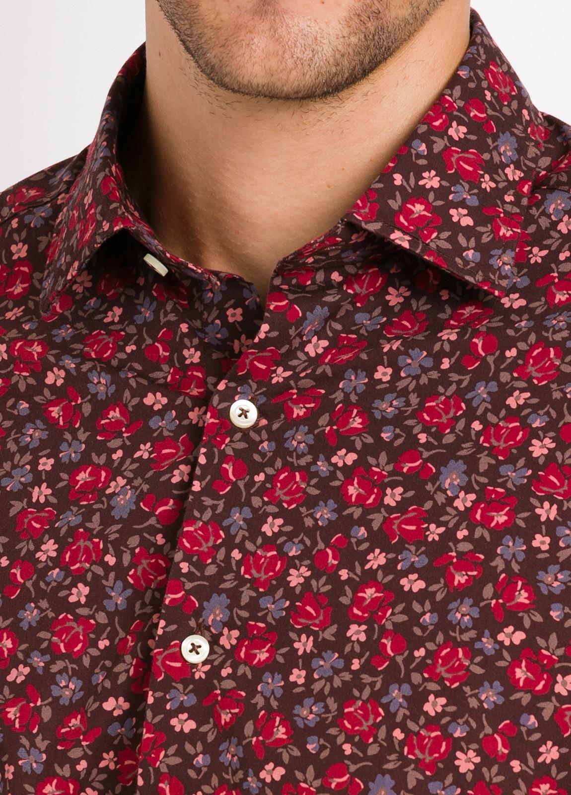 Camisa Leisure Wear SLIM FIT modelo PORTO estampado flores color granate. 100% Algodón. - Ítem1