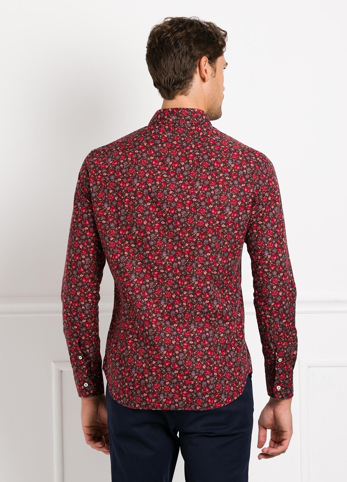 Camisa Leisure Wear SLIM FIT modelo PORTO estampado flores color granate. 100% Algodón. - Ítem2