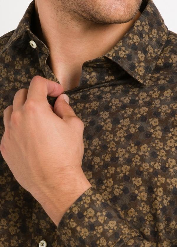 Camisa Leisure Wear SLIM FIT modelo PORTO estampado flores color marrón. 100% Algodón. - Ítem1