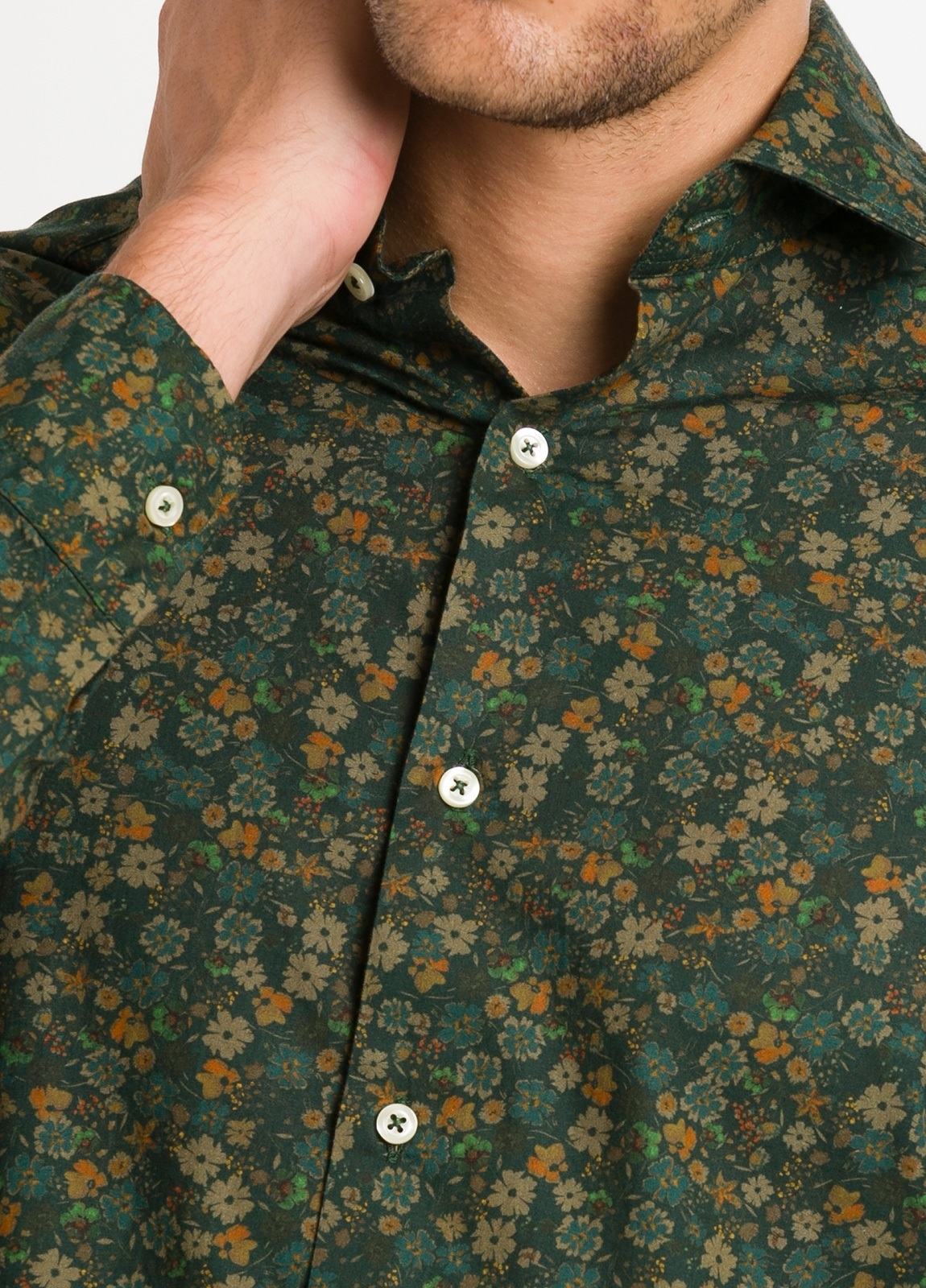 Camisa Leisure Wear SLIM FIT modelo PORTO estampado flores color verde. 100% Algodón. - Ítem2