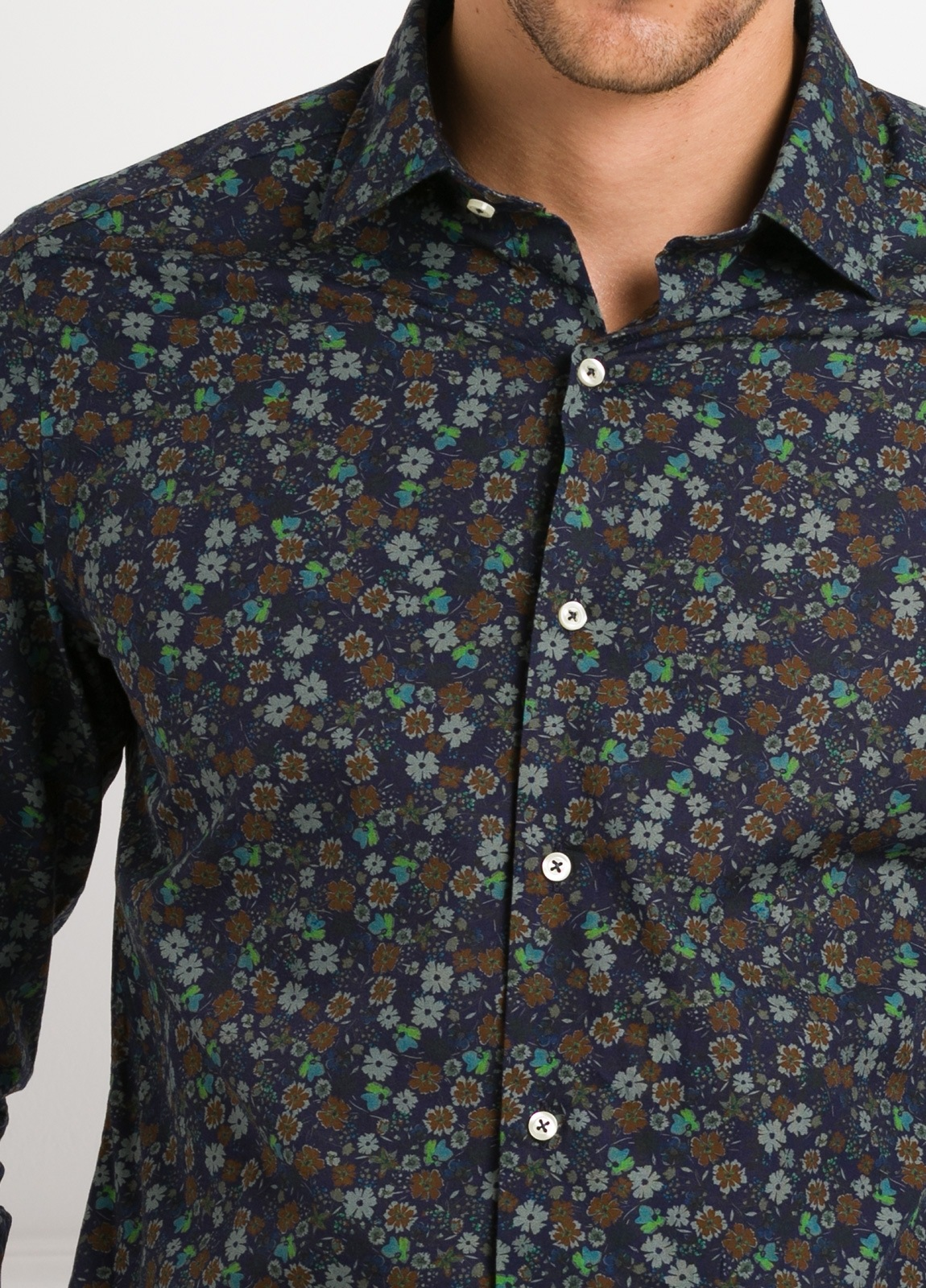 Camisa Leisure Wear SLIM FIT modelo PORTO estampado flores color azul. 100% Algodón. - Ítem2